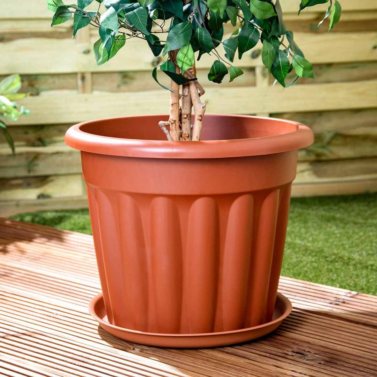 Wham Vista Traditional Planters with Tray 50cm Set of 3 Terracotta
