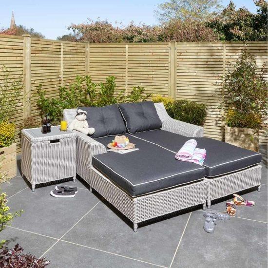 Rowlinson Prestbury Twin Sun Bed Set