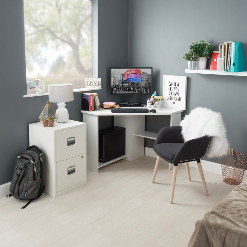 Home Office Desk Ideas for Small Rooms